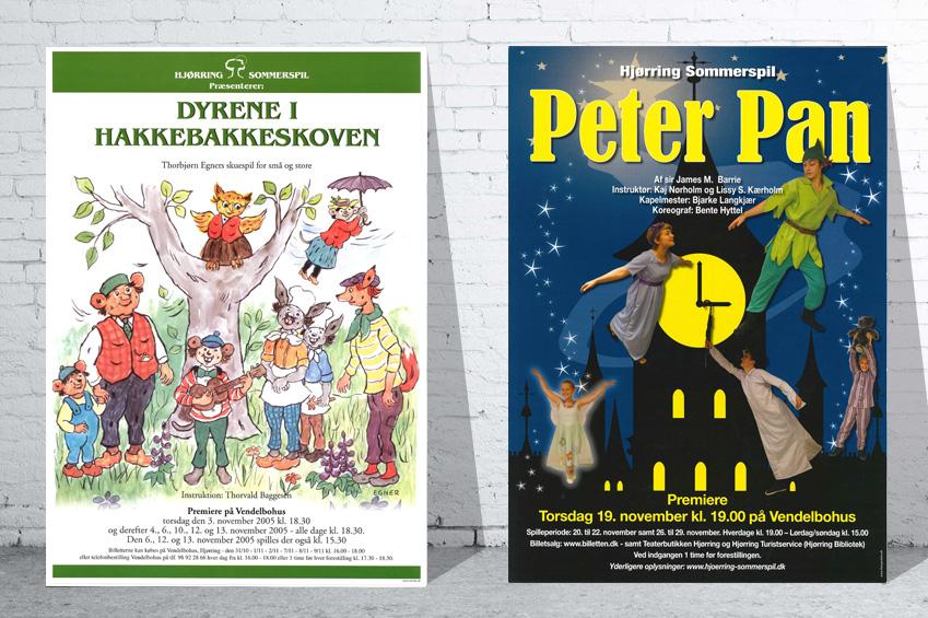 Plakater fra Hjørring Sommerspils forestillinger i Sct. Knuds Kilde hhv. 2005 og 2015.