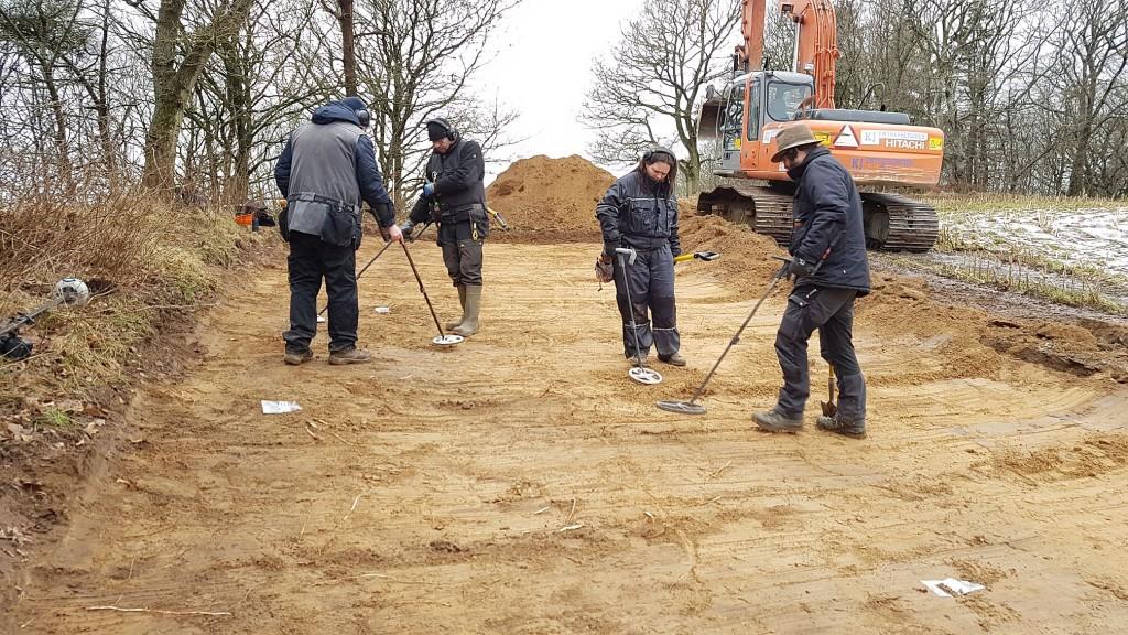 De frivillige amatørarkæologer slippes løs, og jagten går ind. Foto VHM.