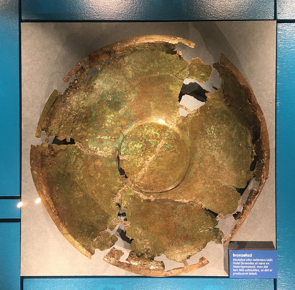 Vikinger Ved Verdens Ende - Vendsyssel Historiske Museum - Bronzefad